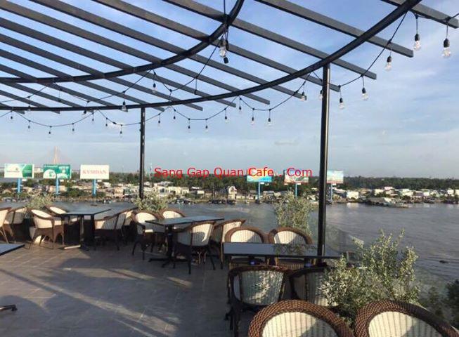 sang quán cafe view đẹp tại bến Ninh Kiều Cần Thơ